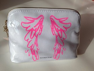 Victorias-Secret-Pink-Angel-Wings-Make-up-Cosmetic-Bag-Travel-Case-0